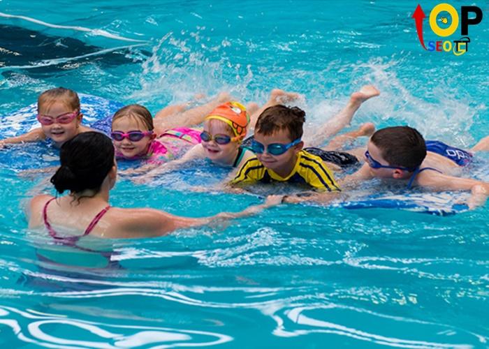 Trung tâm dạy học bơi Hùng Anh